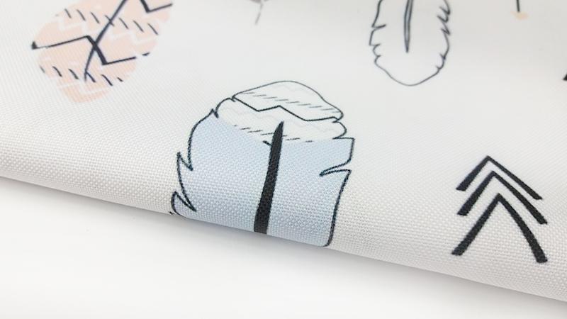 Wasserabweisendes Gewebe - Federn auf weiß | MetryiCentymetry